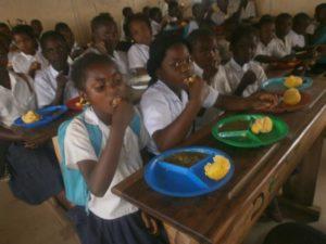 Cantine scolaire dans le Haut-Katanga